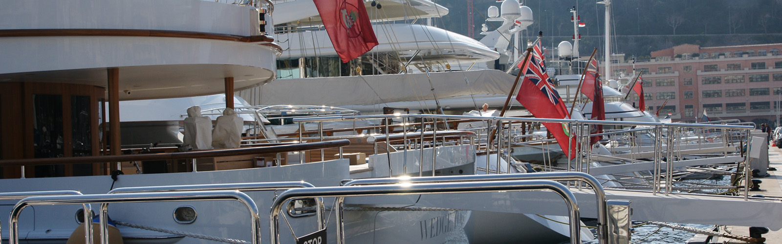 super-yacht-at-the-port
