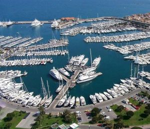 superyachts-in-antibes-france